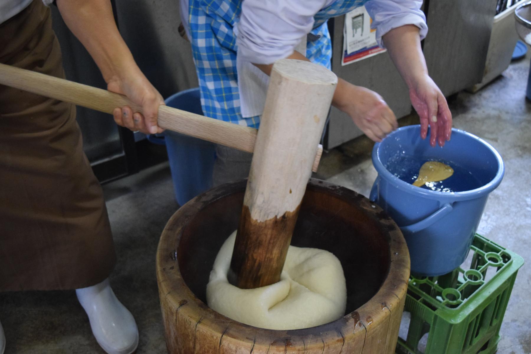 川本町産のもち米を使用!食べ応え抜群の杵つき餅