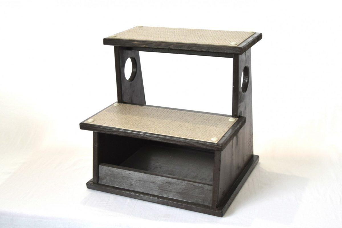 写真1:【地元老舗家具店の手作り】踏み台(2段)ブラック