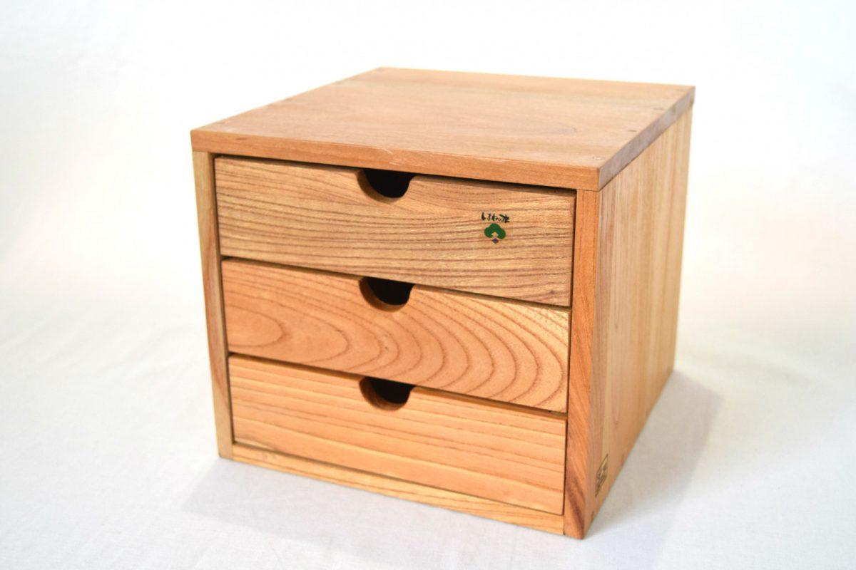 写真1:【老舗家具店の手作り】小物入れ