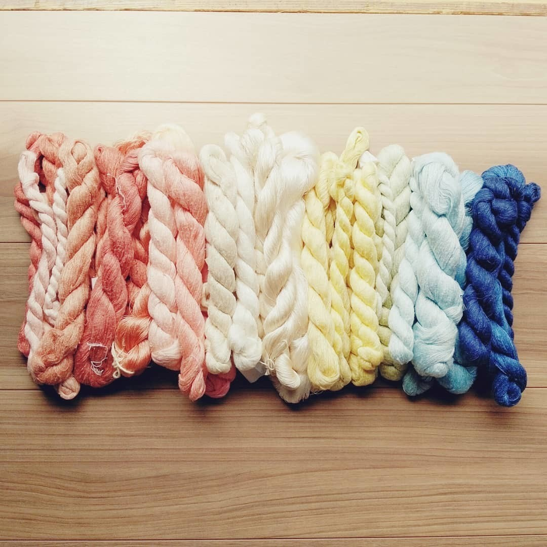 ひと織ひと織、想いを込めて届けます。 小さな町に「石見織」という新たな伝統がうまれます。